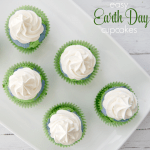 Easy Earth Day Cupcakes – Teaching Kids to Recycle