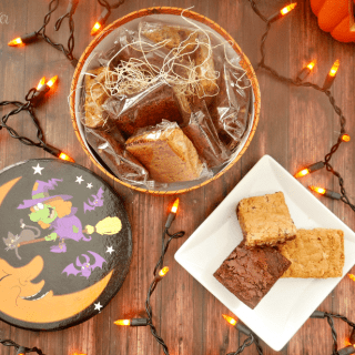 awesome-halloween-gifts-witchs-kitchen-brownie-gift-box
