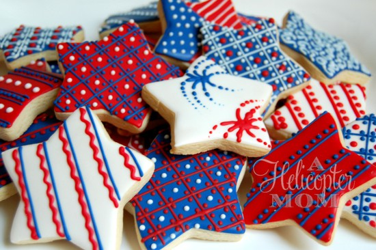 4th of July Cookie & Icing Recipe + Easy Icing Decorating Tips