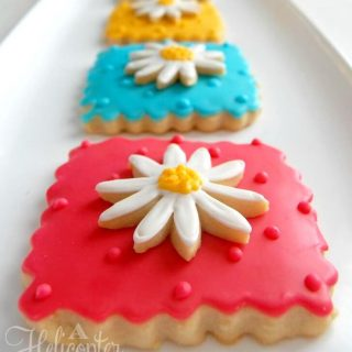 Iced Spring Flowers Cookies Recipe and Decorating Tips