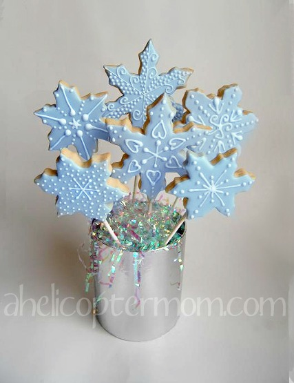 Snowflake Christmas Cookies #Christmas #Cookies #Recipe #Tips