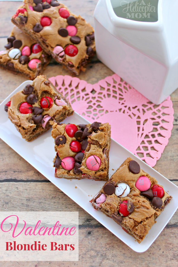 Easy Valentine Blondie Bars - Perfect for Valentine's Day #recipe #desserts