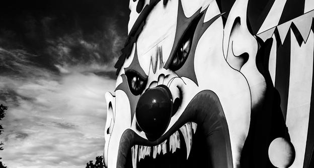 Howl O Scream Scary Face