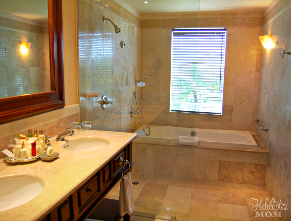 Dreams Tulum - Spacious Junior Suite Bathrooms