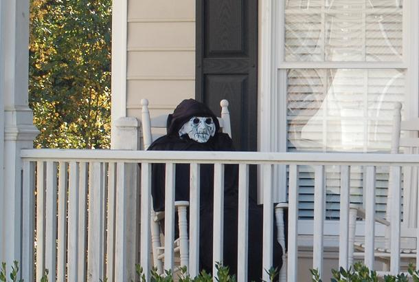 Halloween Front Porch Guest