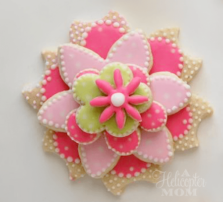 Stacked Flower Cookies - Get the recipe and tips to make these gorgeous cookies yourself! Recipe, decorating tips and tricks - Love these!