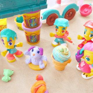 Imaginative Play in Kids with New PLAY-DOH Town