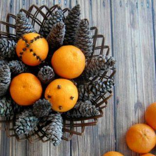 Fragrant Holiday Centerpiece #DIY #Christmas #Decor